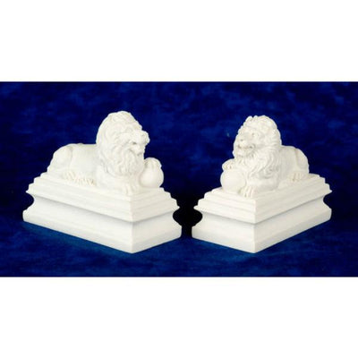 A set of two dollhouse miniatures guardian lion statues.