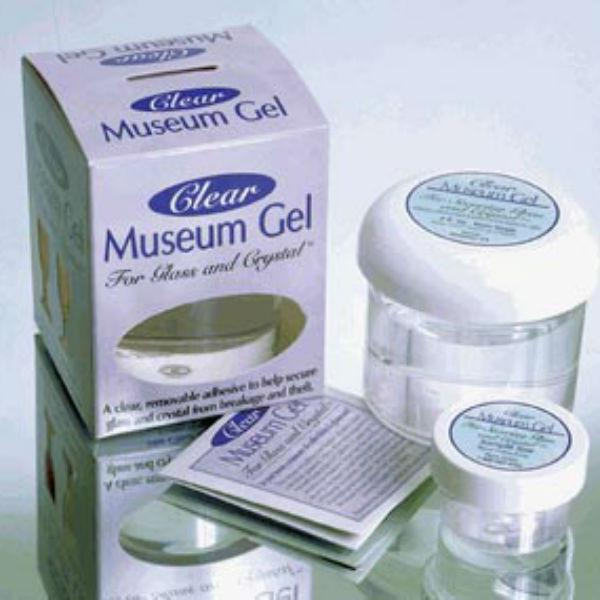 Set of clear museum gel.