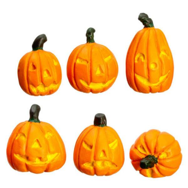 dollhouse miniature pumpkins