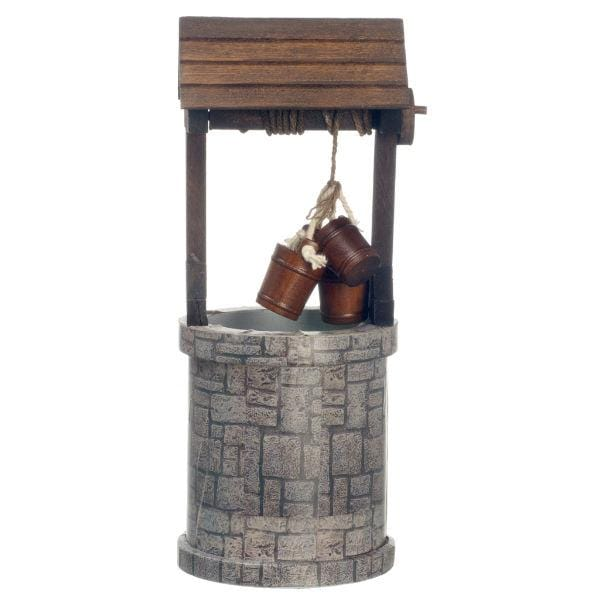 dollhouse miniature wishing well