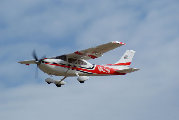 Cessna 182 500 Class SC Blue or Red