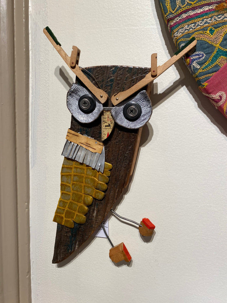 Medium wooden owl wall hanging