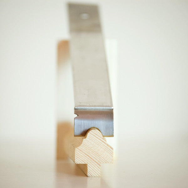 Sharpen your wood profile into the blade of the Little Scraper for Putty and Paint quickly and easily.