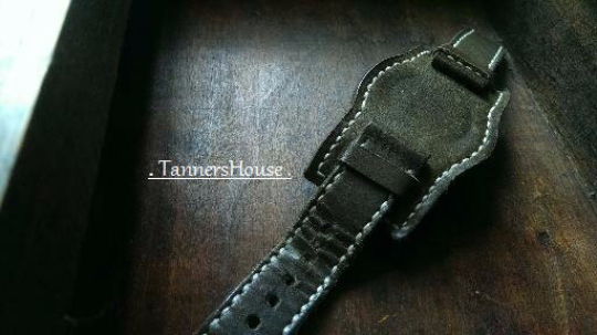 Tailor-made Handmade real cow dark green leather white sutures leather watch strap watch band 20 22 24 26 custom made accessories ammo style panerai iwatch apple watch applewatch rolex iwc top gun pilot timex cartier garmin dw Daniel Wellington omega