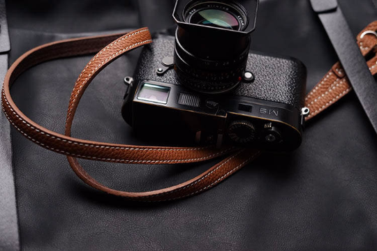 Tailor Handmade Real Cow Crazy Horse Leather wax Brown Retro Camera strap slr dslr buckles Leica Nikon Sony Olympus Canon fujifilm Bag