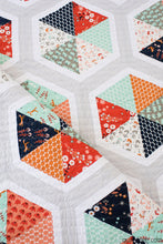 Triangle Hexies PDF quilt pattern