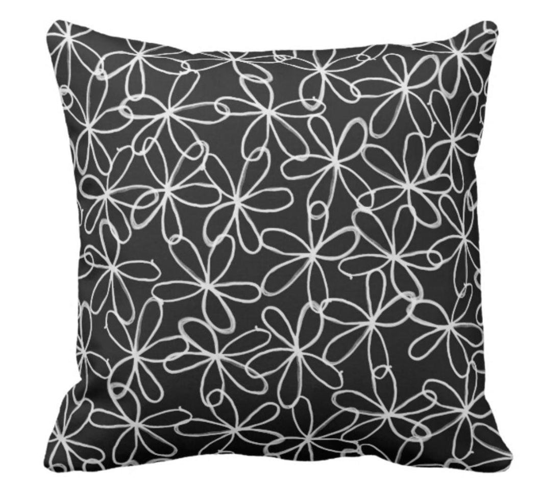 "Throw Pillow Black & White ""Flower Power"""