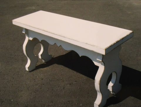 BENCH w. Decorative Legs