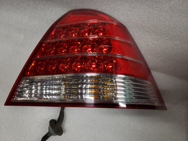 Genuine Mercury Montego Tail Lamp Assembly 6T53-13B504-AA Passengers side RH