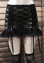 Ruffle skirt in black lace