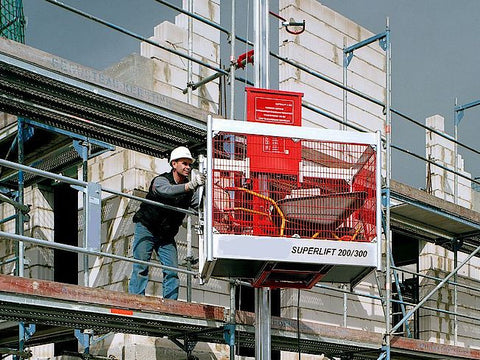 Böcker Superlift Z330 tavarahissi