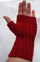 TWISTED LOVE MITTS KIT by Kelli Slack