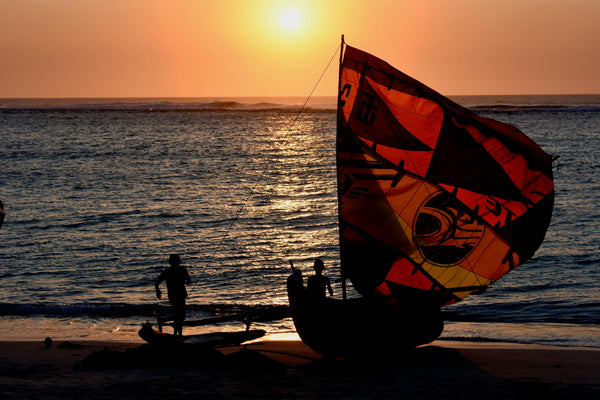 Closing the circle: Recycling kites into sails