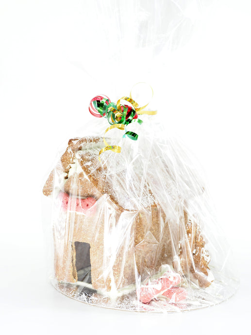Our We Know Pets Christmas time gingerbread kennel! The gingerbread kennel is handmade  using pet friendly, human grade ingredients.
