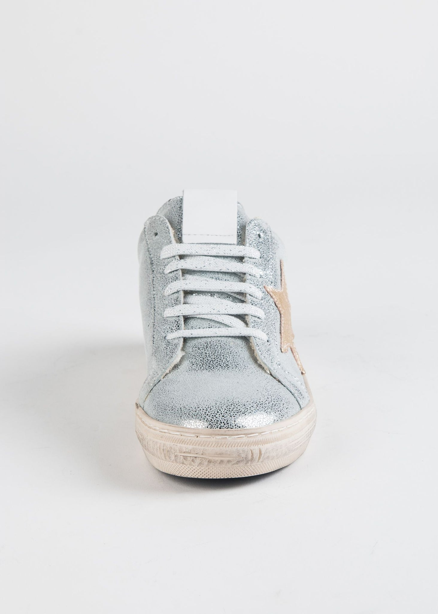 DISTRESSED METALLIC STAR SNEAKER