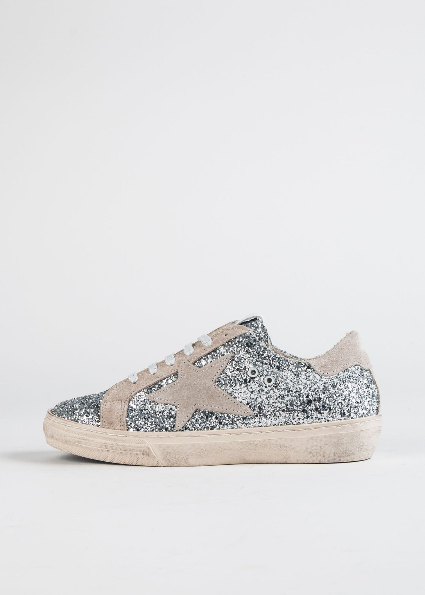 GLITTER DISTRESSED STAR SNEAKER