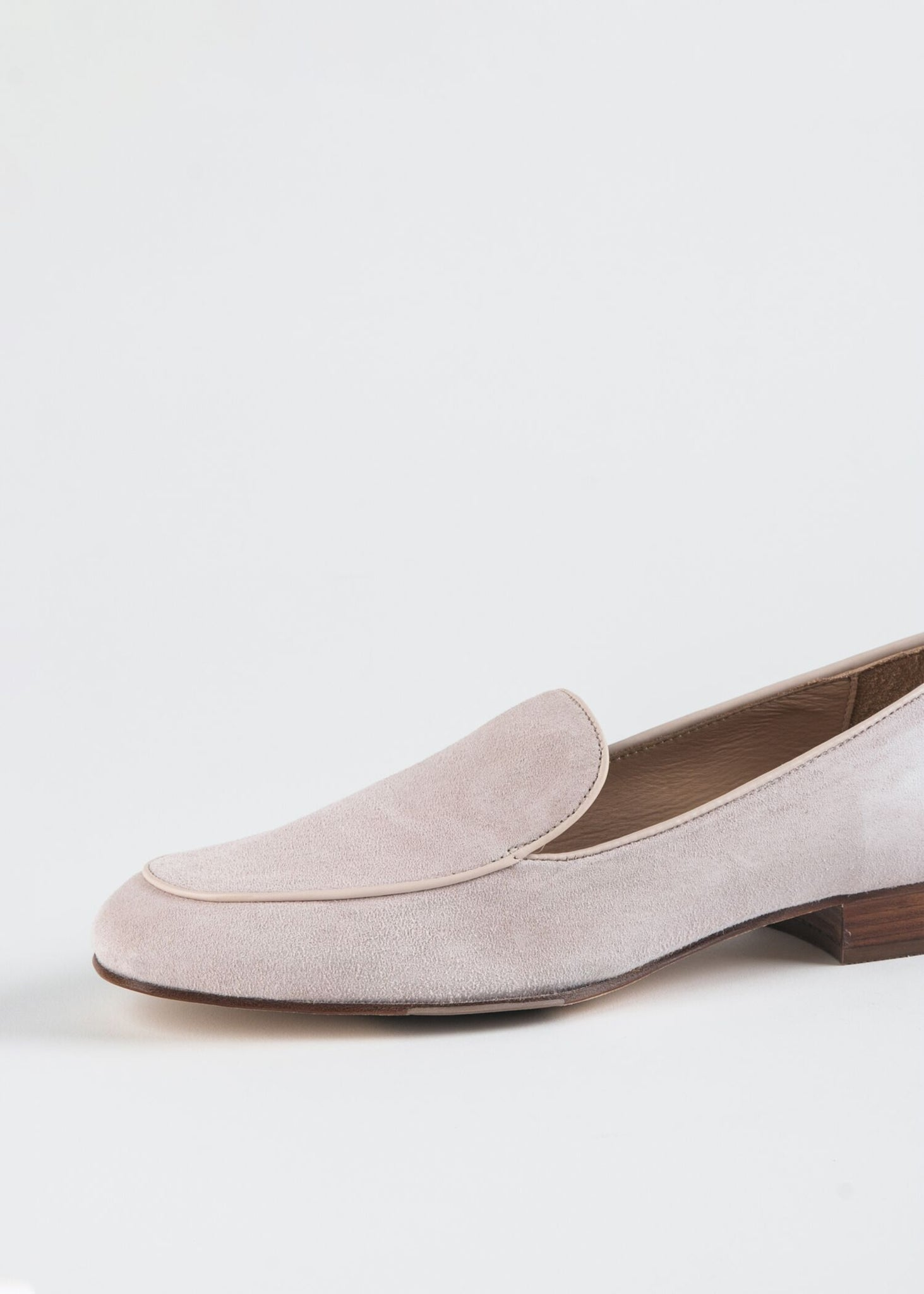 TAPERED ROUND TOE LOAFER