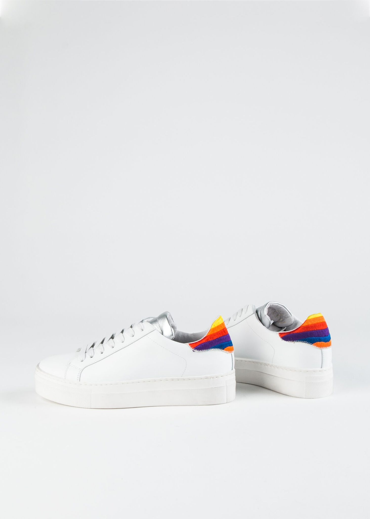PLATFORM SNEAKER WITH SILVER TONGUE AND RAINBOW TAB