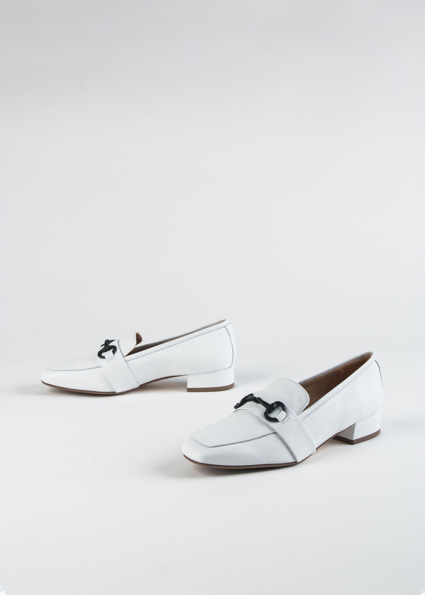SNIP TOE LEATHER LOAFER WITH BIT