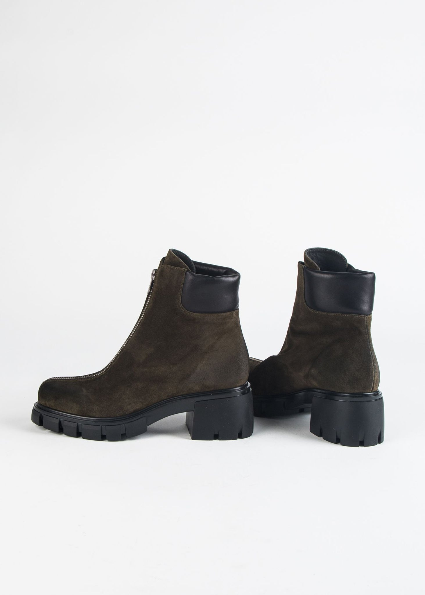 CENTER ZIP LUG SOLE BOOT