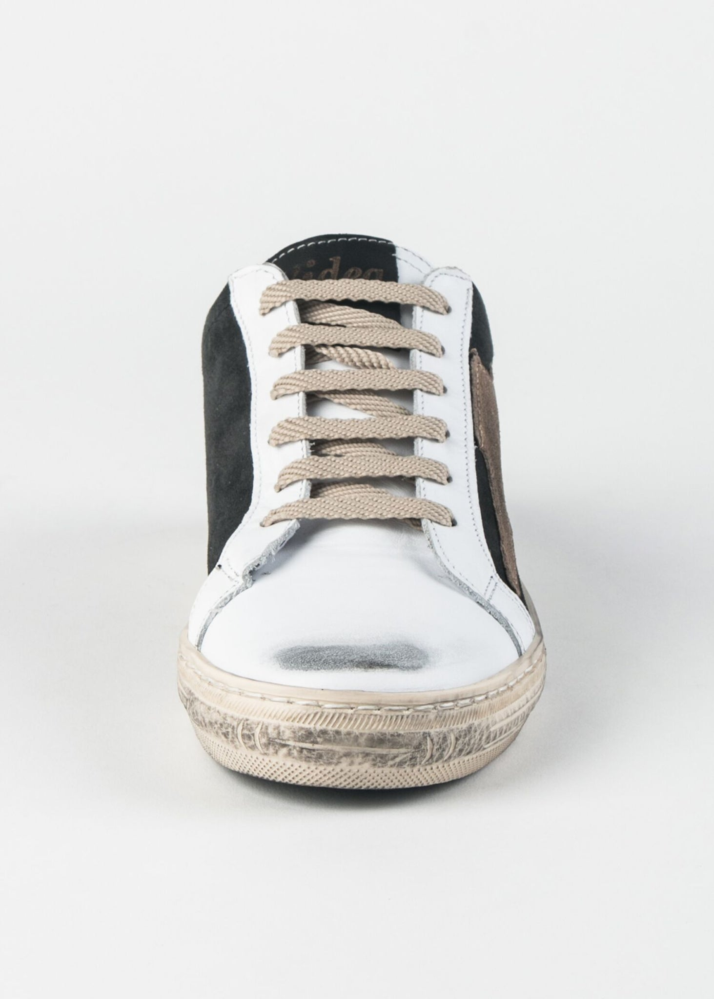 DISTRESSED SUEDE STAR SNEAKER