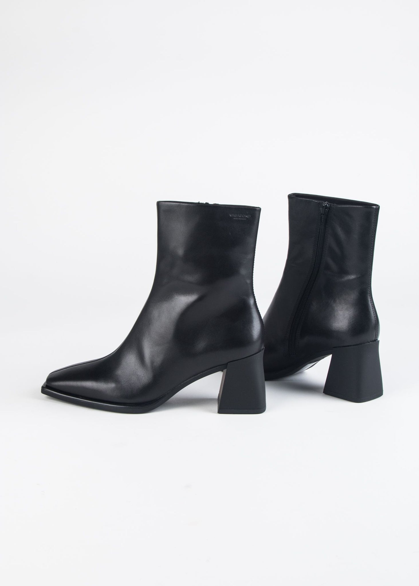 HEDDA HEELED ANKLE BOOT