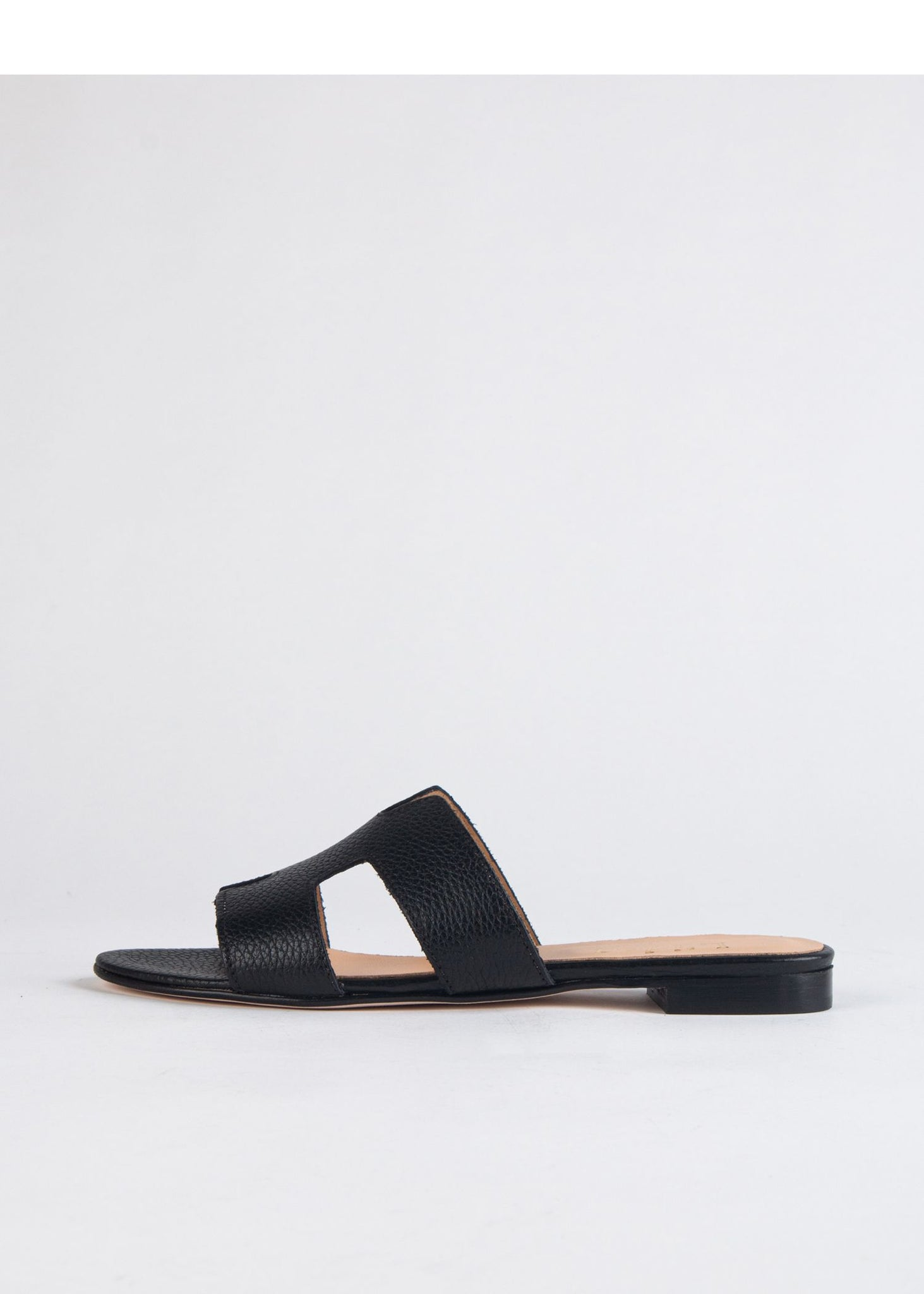 SIDE CUT-OUT SANDAL