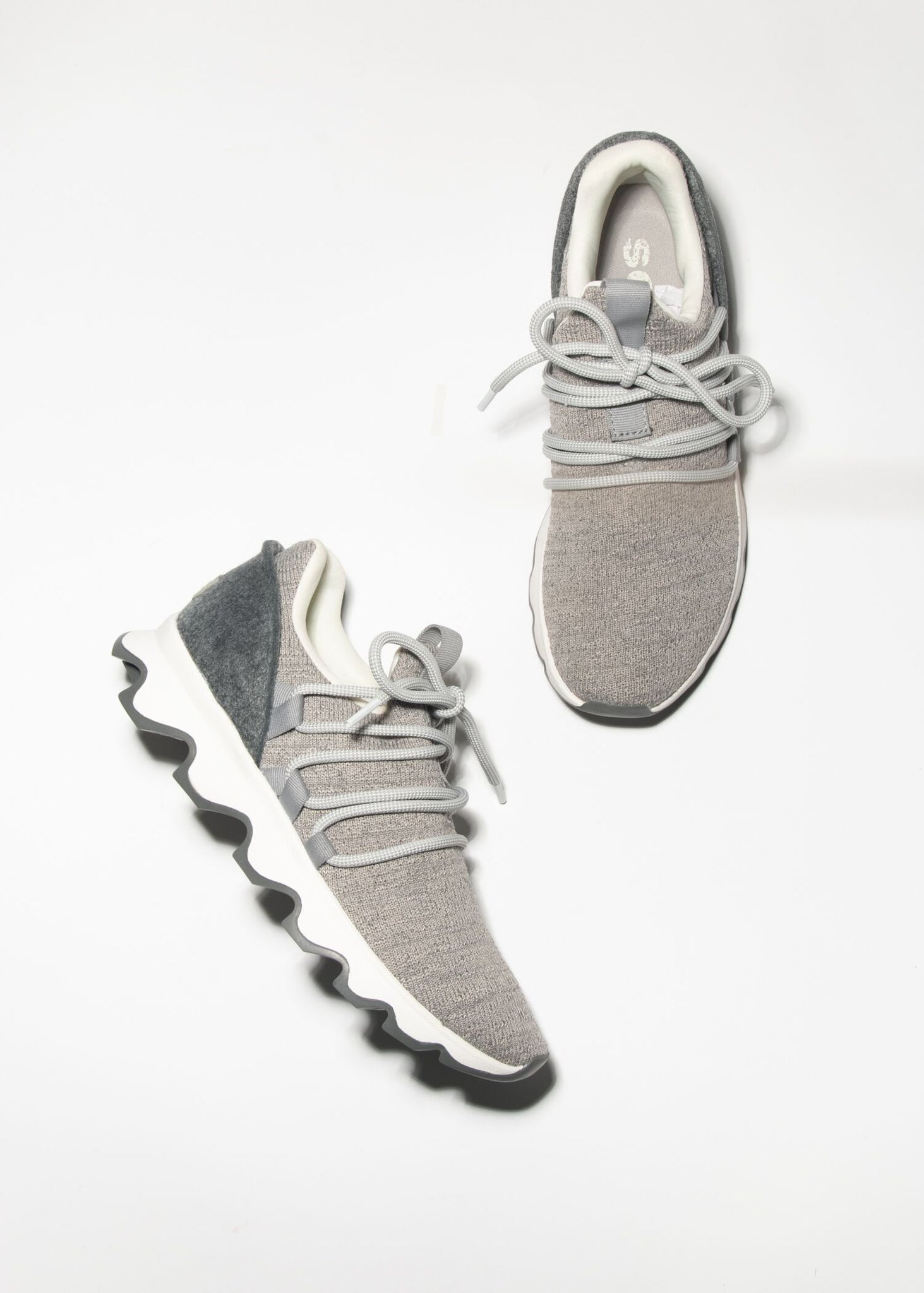 KINETIC-LACE SOCK SNEAKER