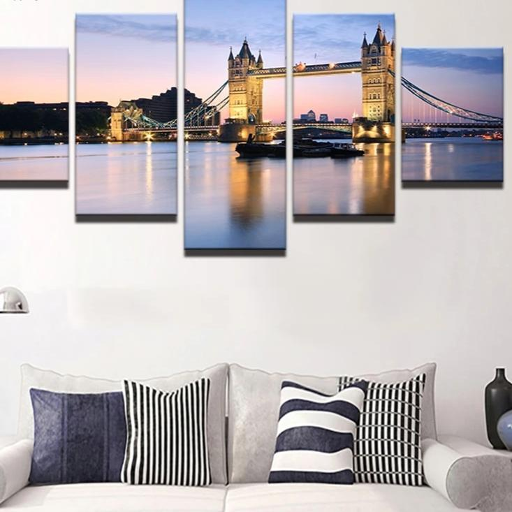 STUNNING 5 PIECE OIL PRINT ON CANVAS OF TOWER BRIDGE, LONDON - London Art and Souvenirs