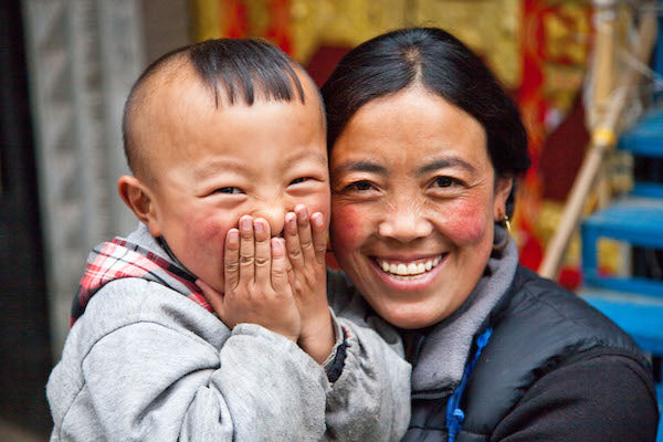 Lhasa Mom & Son jewelry maker