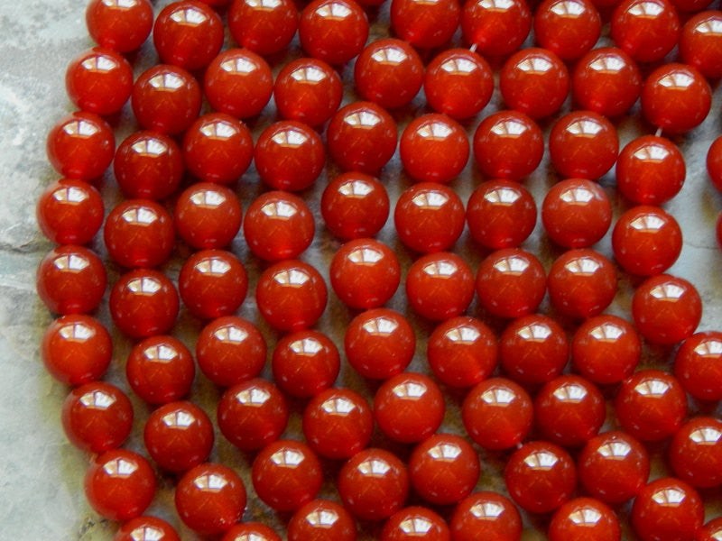 10mm Carnelian Polished Round Semi-Precious Beads, Half Strand (INDOC945)