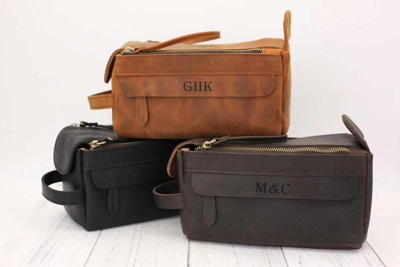 Personalized Groomsmen Gift, Groomsman Gift Dopp Kit Bag, Wedding Gift Proposal, Monogrammed Leather Toiletry Bag,Best man Gift,Gift For Men