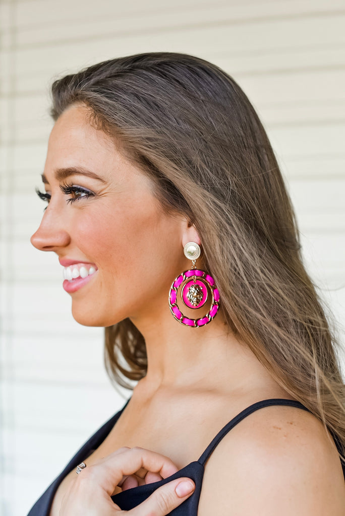 Beverly Hills Chain Link Earrings in Hot Pink