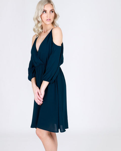 Bare shoulder sleeved dress