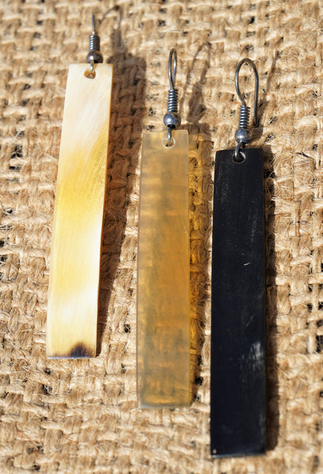 Cow Horn Line Earrings