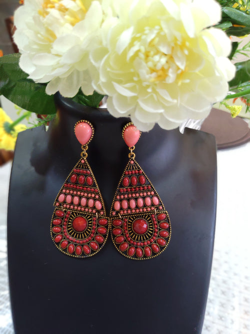 Elegant Pink Dangler Earrings