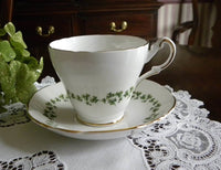 Vintage Shamrock Garland Teacup and Saucer - The Pink Rose Cottage