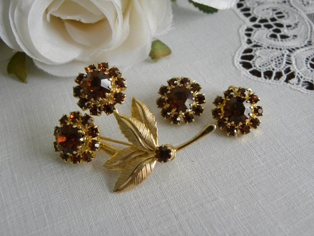 Vintage Amber Rhinestone Daisy Pin and Earring Set - The Pink Rose Cottage