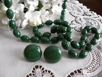 Vintage St. Patrick's Day Green Beaded Necklace and Earrings - The Pink Rose Cottage