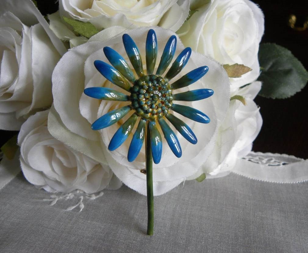Vintage Original by Roberts Enameled Blue Daisy Pin Brooch - The Pink Rose Cottage