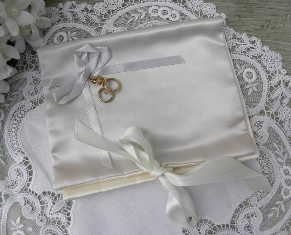 Vintage Bridal Handkerchief Keeper Holder with Wedding Rings - The Pink Rose Cottage