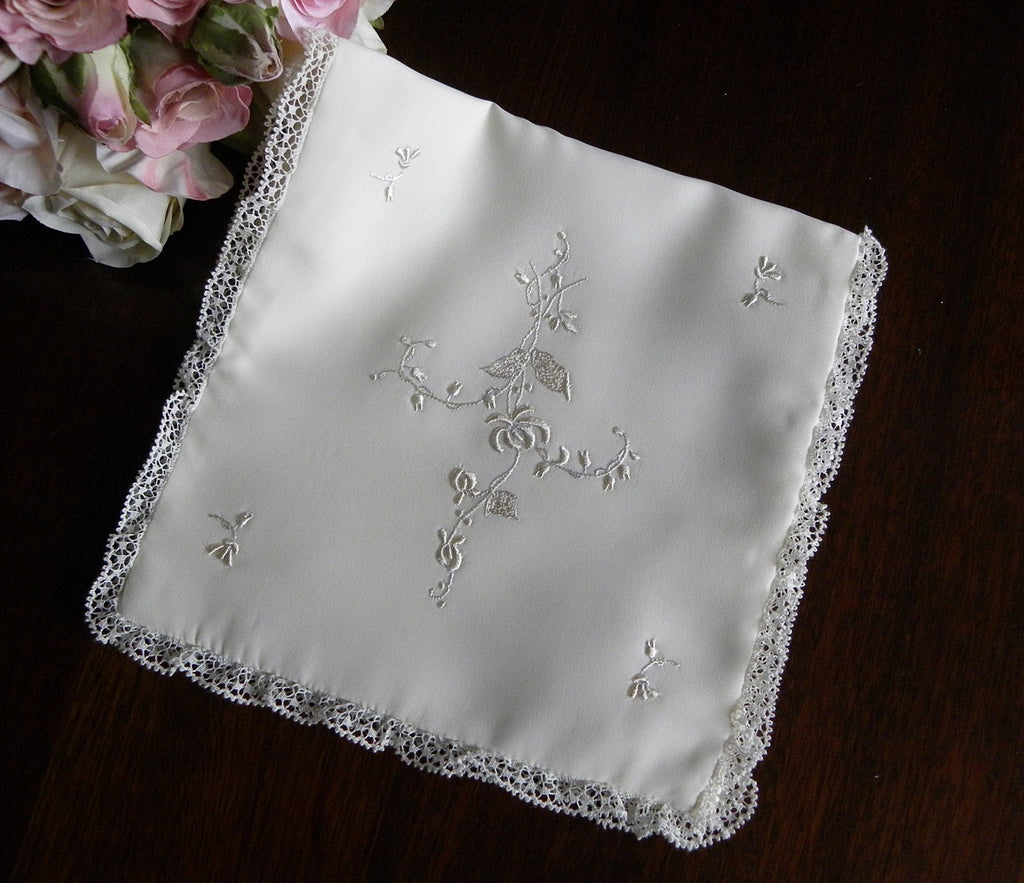 Vintage Bridal Handkerchief Keeper Holder Embroidered and Lace Trim - The Pink Rose Cottage