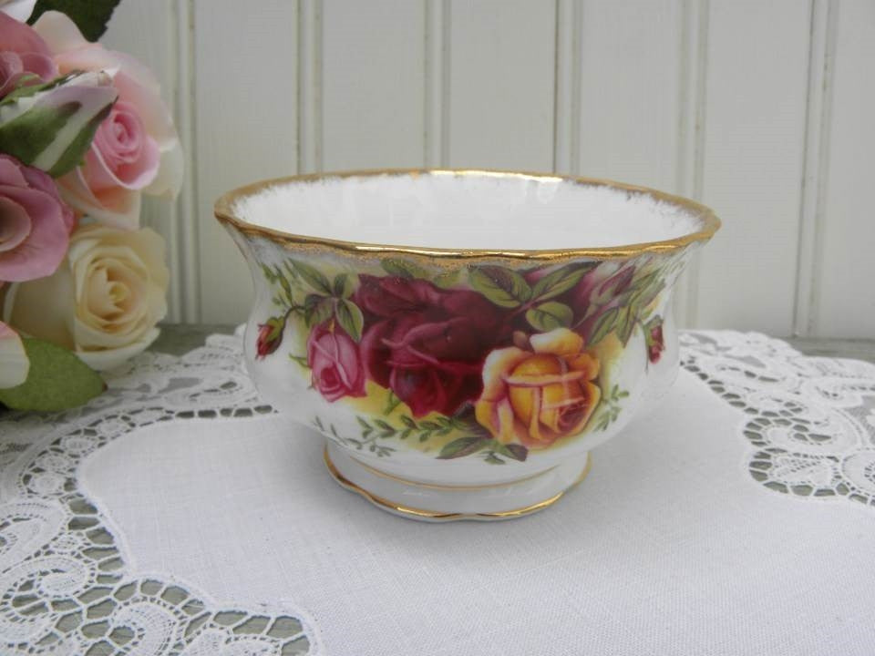 Vintage Royal Albert Old Country Roses Open Sugar Bowl - The Pink Rose Cottage
