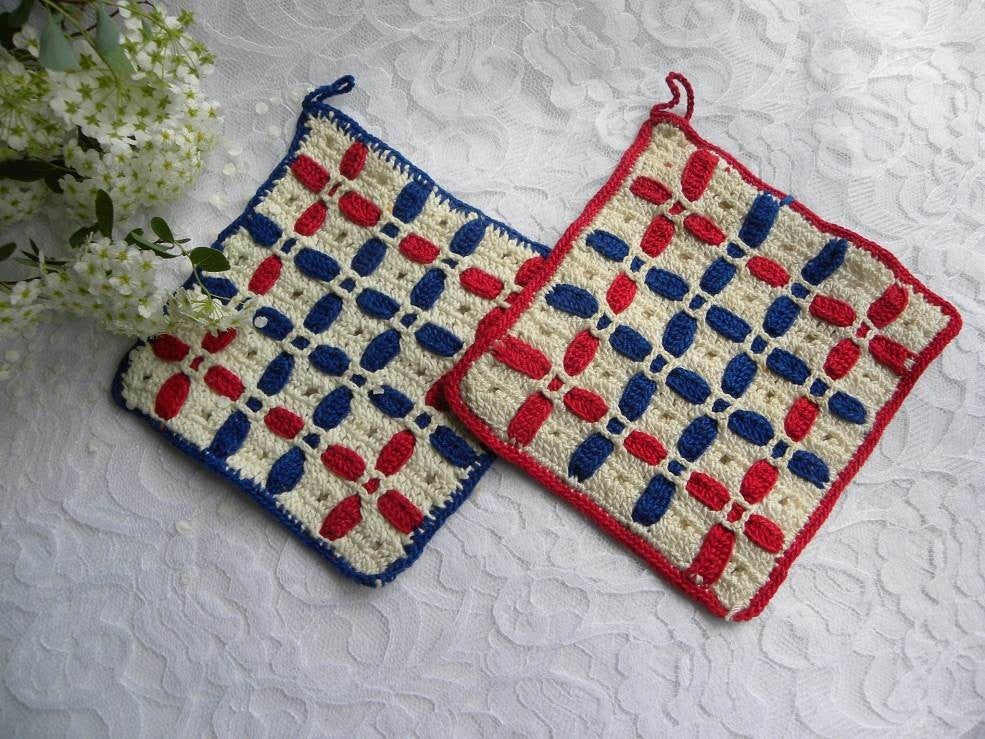 Pair of Vintage Red White and Blue Patriotic Potholders - The Pink Rose Cottage