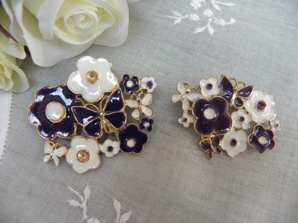 Pair of Vintage Pins Brooches by Weiss with Butterflies and Daisies - The Pink Rose Cottage