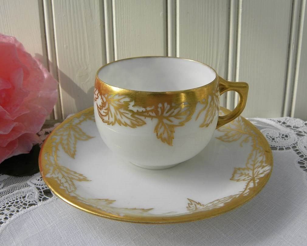 Vintage Gold Leave Demitasse Teacup and Saucer - The Pink Rose Cottage