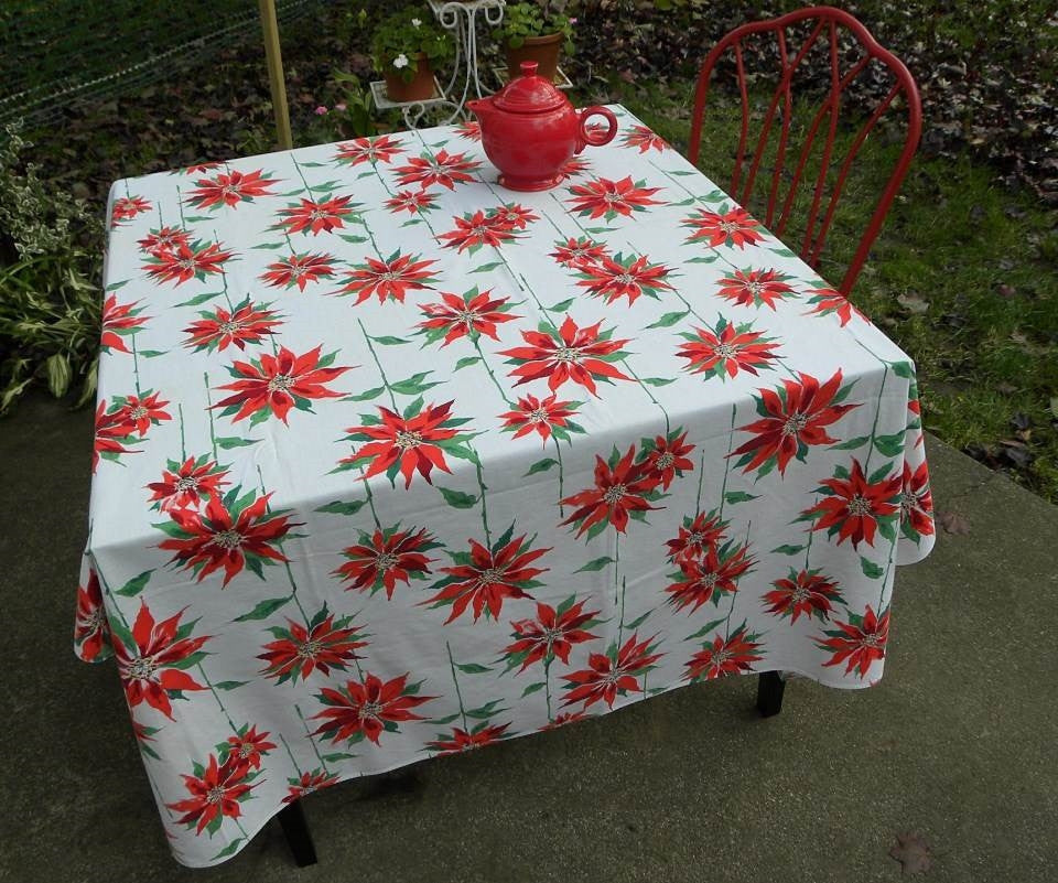 Vintage Christmas Red Poinsettia Tablecloth - The Pink Rose Cottage