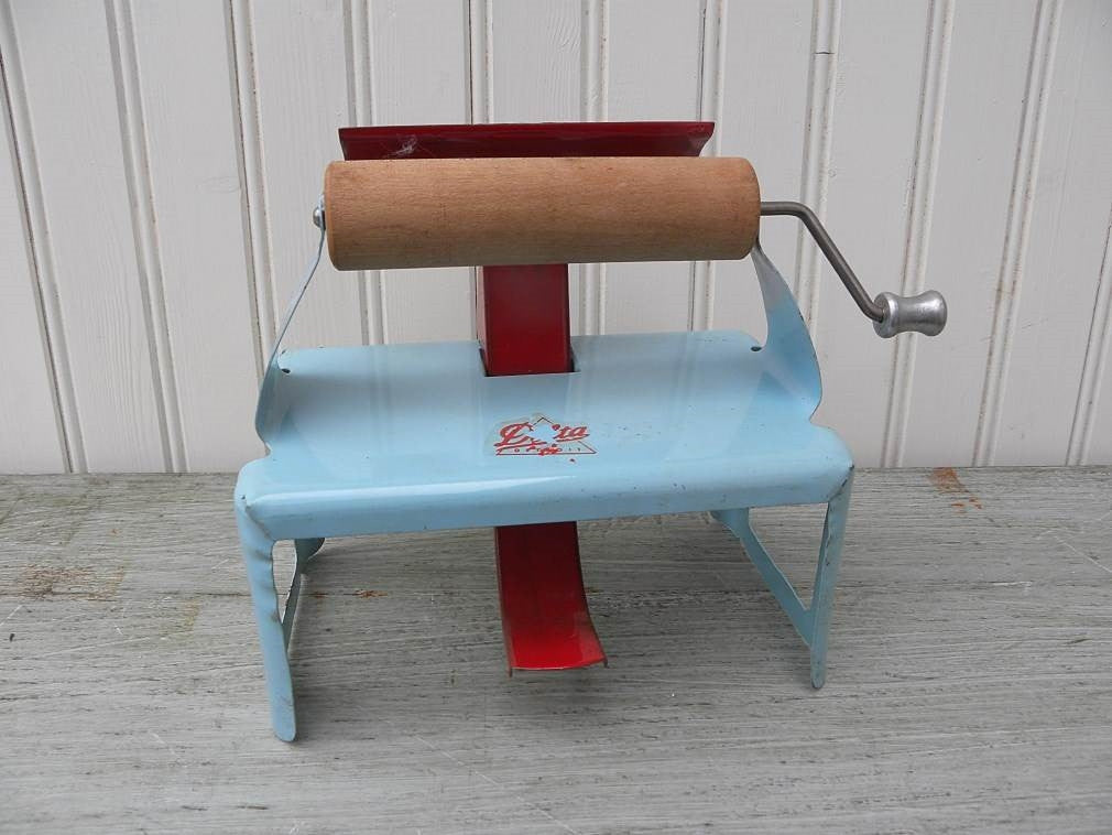 Vintage Delia Metal Tin Doll's Toy Laundry Mangle - The Pink Rose Cottage