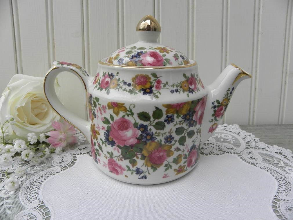 "Vintage Sadler ""Olde Chintz Pink Roses Teapot for Two - The Pink Rose Cottage"