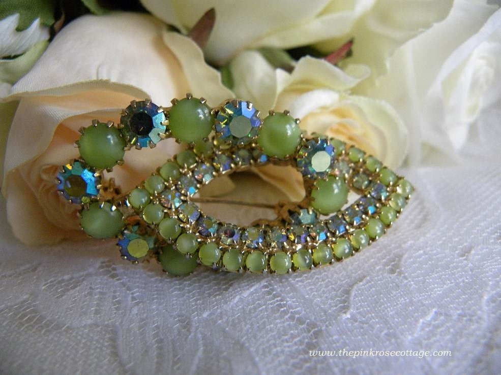 Vintage Green Rhinestone Pin Brooch - The Pink Rose Cottage